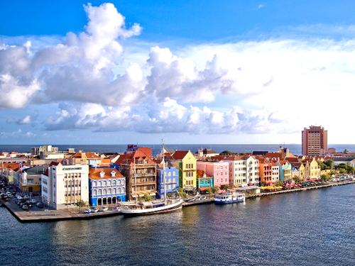 Alla scoperta delle più belle città colorate