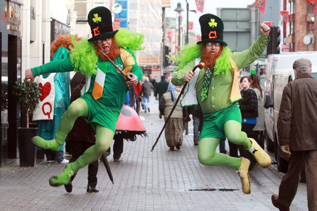 Festa di San Patrizio a Dublino tra birra, musica e sflite