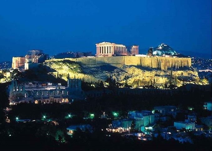 Viaggi low cost: nuovi voli dall'Italia verso Atene e Salonicco