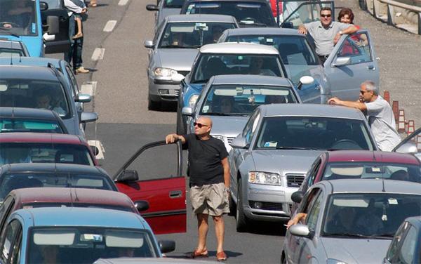 Esodo estivo 2014: bollino rosso per i primi due week end di Agosto