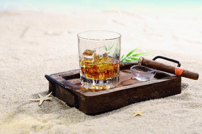 AAA: cercasi assaggiatore di rum in Giamaica per 2.600 euro al mese