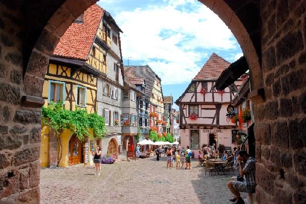 Viaggio a Riquewihr, il paese incantato dell'Alsazia